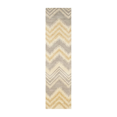 Safavieh Capri Collection Ronni Chevron Runner Rug