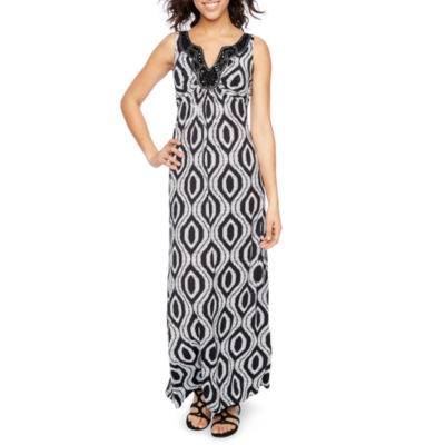 Ronni Nicole Sleeveless Embellished Geometric Maxi Dress