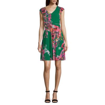 Weslee Rose Short Sleeve Trapeze Dress