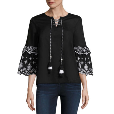 a.n.a. Embroidered Sleeve Top