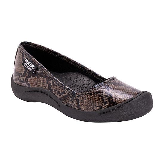 Muk Luks Womens Sandy Round Toe Slip-On Shoe