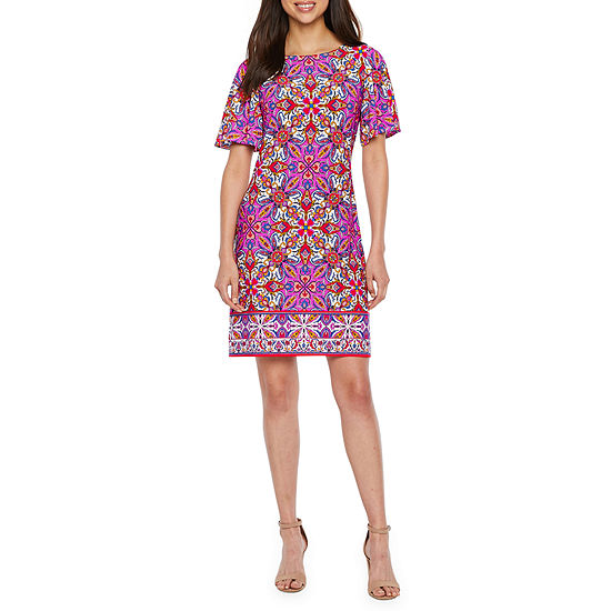 London Style Short Sleeve Medallion Shift Dress
