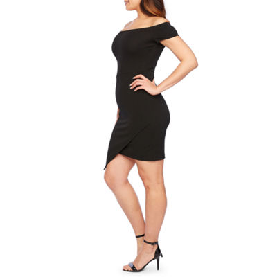 Premier Amour Short Sleeve Off The Shoulder Sheath Dress