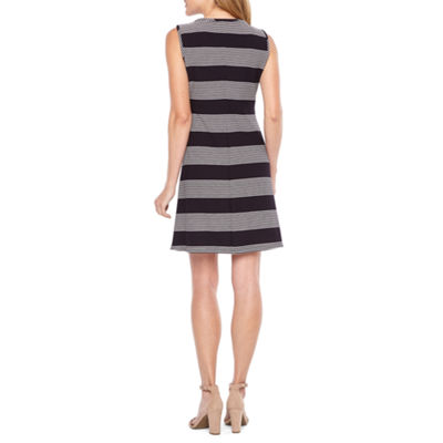 Ronni Nicole Sleeveless Stripe Shift Dress