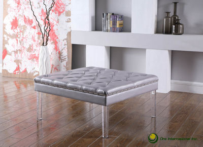 "Ore International 18"" Diamond Tufted Coffee Table"