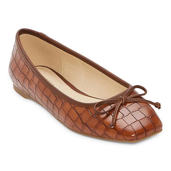 Liz Claiborne Womens Flushing Slip-On Shoe
