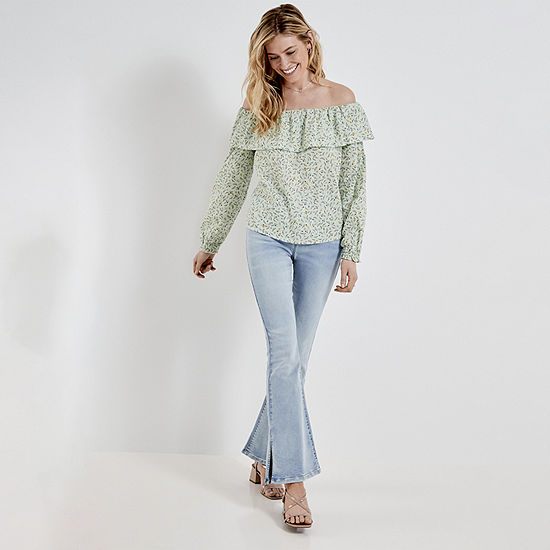 RUFFLE TOP/HR FLARE: a.n.a. Ruffle Off the Shoulder Top, Flare Jean & Heeled Sandals