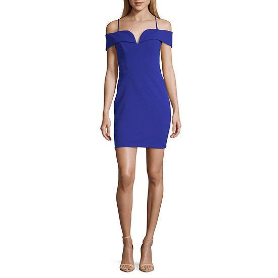 B. Darlin-Juniors Short Sleeve Bodycon Dress