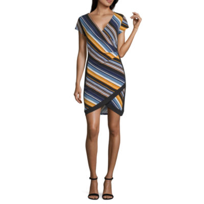 Almost Famous Short Sleeve Striped Bodycon Dress-Juniors