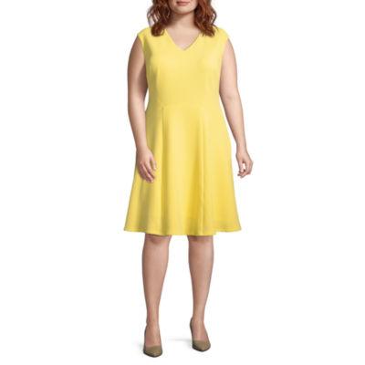 London Times Short Sleeve Pattern Fit & Flare Dress - Plus