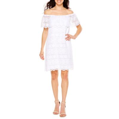 Ronni Nicole Lace Medallion Shift Dress