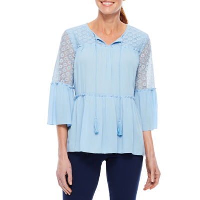 Sag Harbor Denim And Chambray Lace Trim 3/4 Sleeve Bell Sleeve Peasant Top