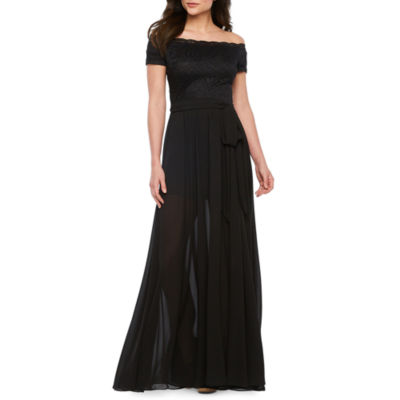 Premier Amour Off The Shoulder Maxi Dress