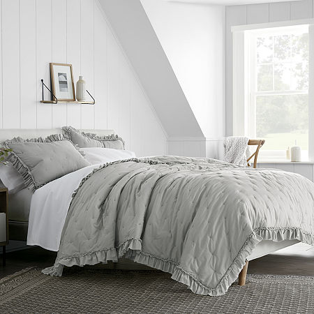 Linden Street Wisteria Quilt, One Size , Gray