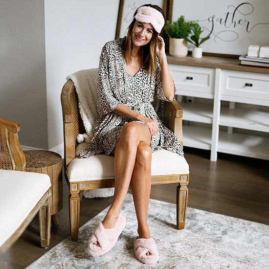 Amanda's Faves: Pajama & Robe Set with Slippers