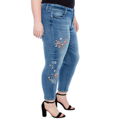 Boutique + Floral Embroidered Jean - Plus