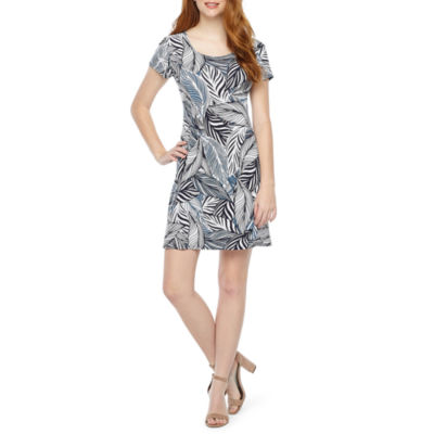MSK Short Sleeve Leaf Swing Dresses