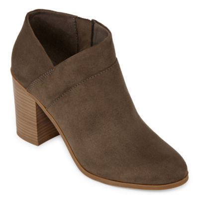 a.n.a Womens Ames Block Heel Booties