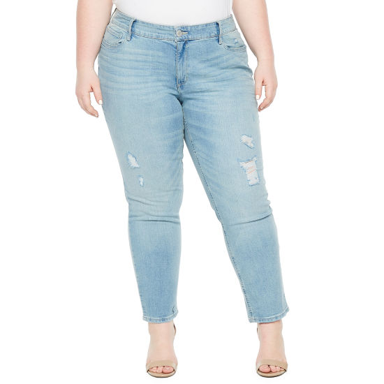 Boutique + Light Wash Ripped Girlfriend Crop Jean - Plus