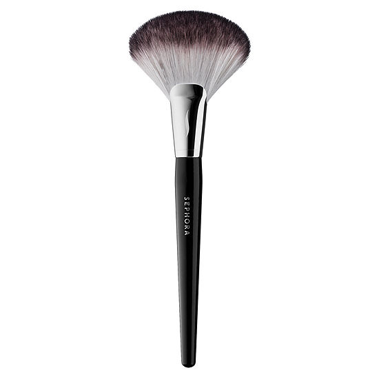 SEPHORA COLLECTION PRO Featherweight Fan Brush  92