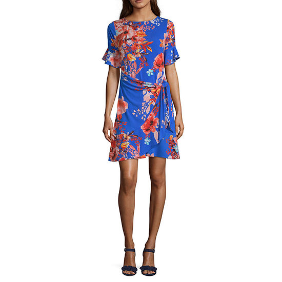 Weslee Rose Short Sleeve Floral Wrap Dress