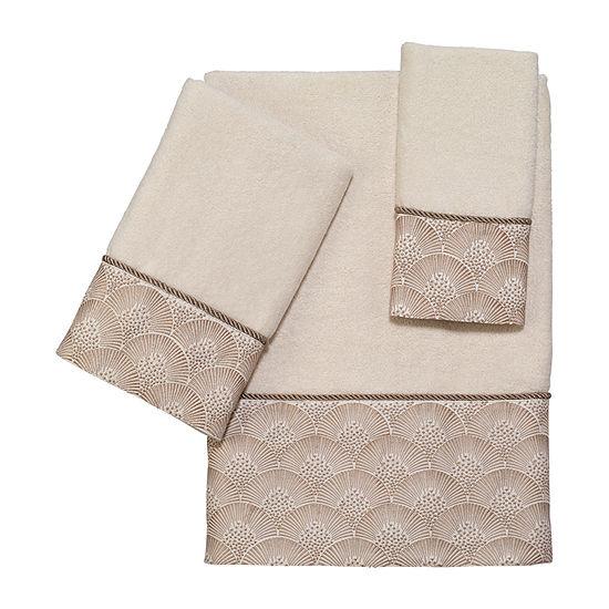 Avanti Deco Shell Ivory Embellished Bordered Bath Towel