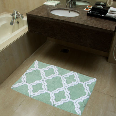 Chesapeake Merchandising Double Quatrefoil 2-pc. Bath Rug Set