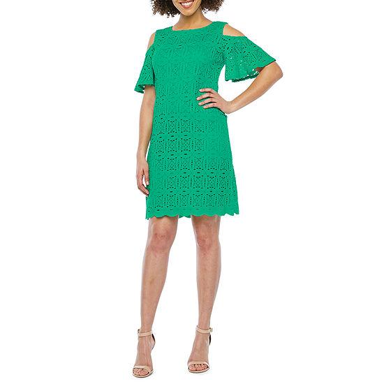 Ronni Nicole Short Sleeve Cold-Shoulder Medallion Lace Shift Dress