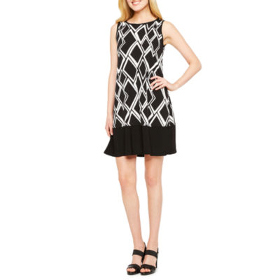 Ronni Nicole Sleeveless Diamond Shift Dress