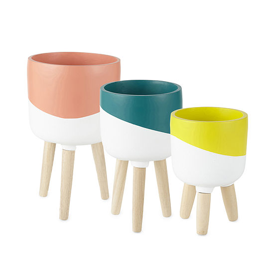 Outdoor Oasis Two Toned Planter with Base Collection