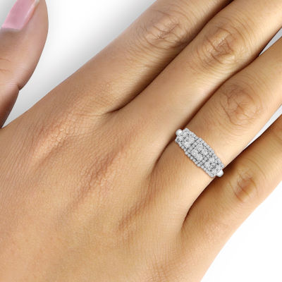 1/2 CT. T.W. 10K White Gold Diamond Ring
