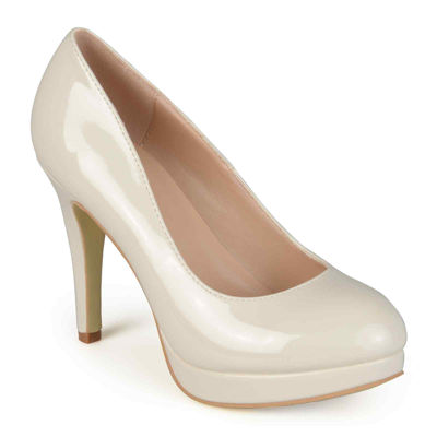 Journee Collection Maddy Patent Platform Pumps
