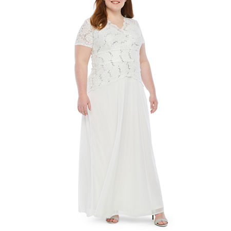 1940s Style Wedding Dresses | Classic Wedding Dresses Onyx Short Sleeve Lace Top Evening Gown-Plus Womens Size 16W White $74.99 AT vintagedancer.com