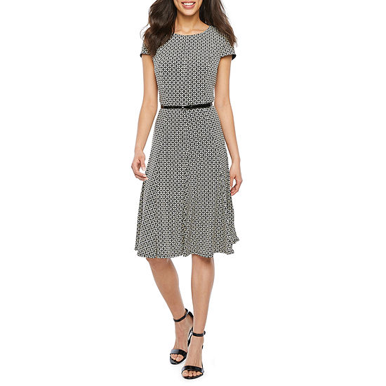 Jessica Howard Short Sleeve Abstract Fit & Flare Dress-Petite