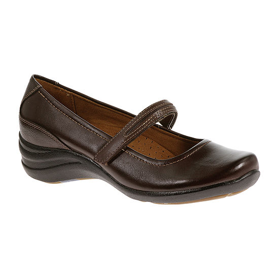 Hush Puppies Womens Epic Mary Jane Slip On Shoe Closed Toe Wide Width