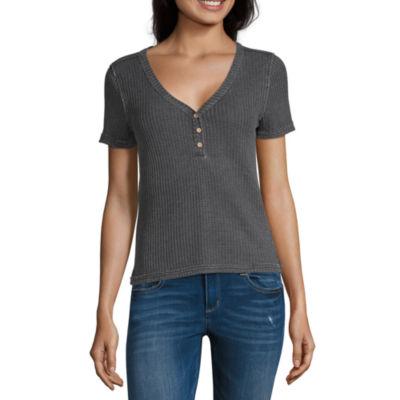 Vanilla Star Waffle Womens Short Sleeve Button-Front Shirt-Juniors
