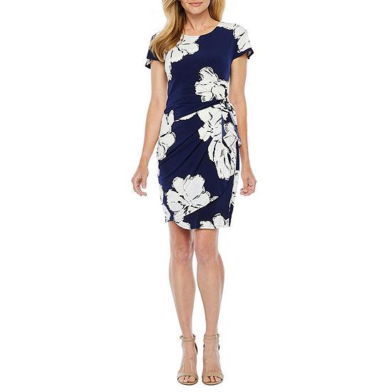 Robbie Bee Short Sleeve Floral Puff Print Sheath Dress