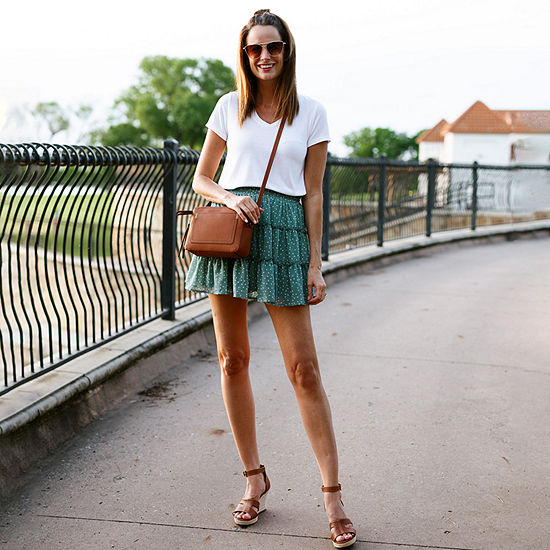 Amanda's Faves: Short Sleeve Tee with a Flared Skirt and Wedges