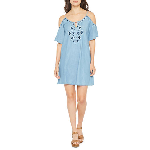 Spense Elbow Sleeve Embroidered Pattern Shift Dress