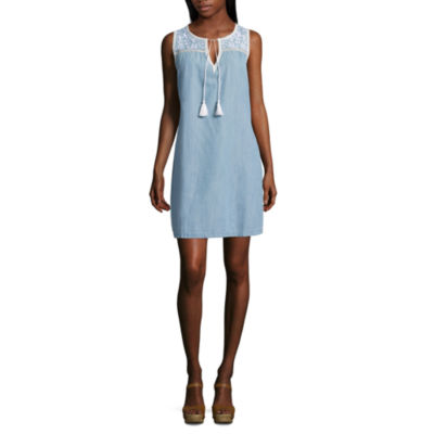 Spense Sleeveless Embroidered Pattern Shift Dress