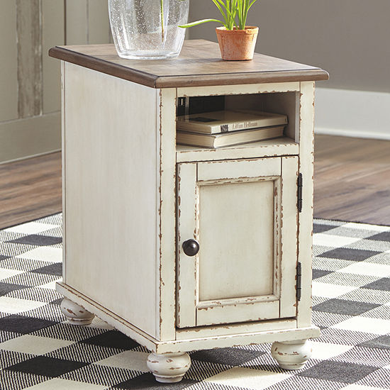 Signature Design by Ashley® Realyn Chair Side Table