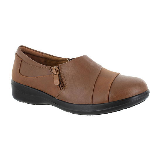 Easy Street Womens Gavyn Slip-On Shoe