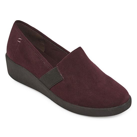 St. John's Bay Womens Pemba Slip-On Shoe Round Toe