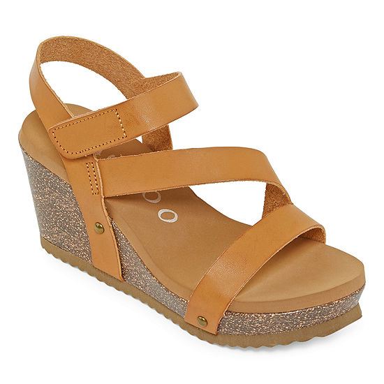 Bamboo Womens Beehive-01 Wedge Sandals