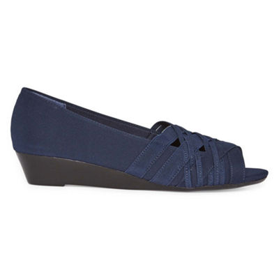 east 5th Womens Rachelle Slip-On Shoe