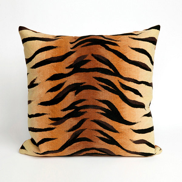 Liora Manne Visions I Tiger Rectangular Outdoor Pillow