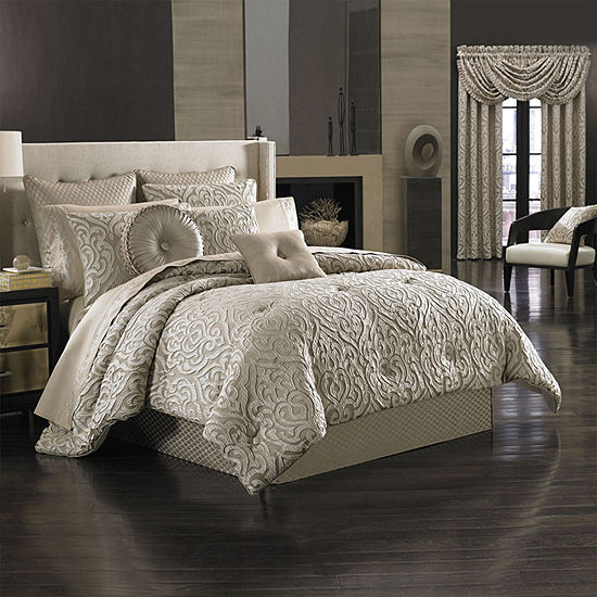Queen Street Antonia 4-pc. Damask + Scroll Heavyweight Comforter Set