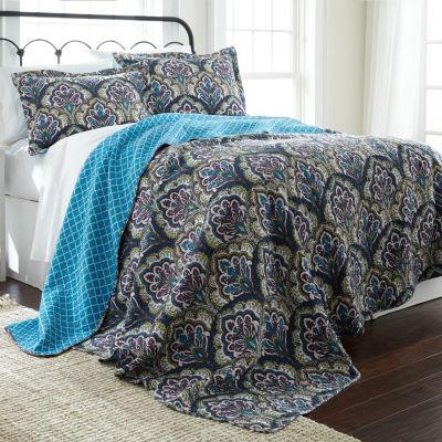 Pacific Coast Textiles Carly Reversible Quilt Set