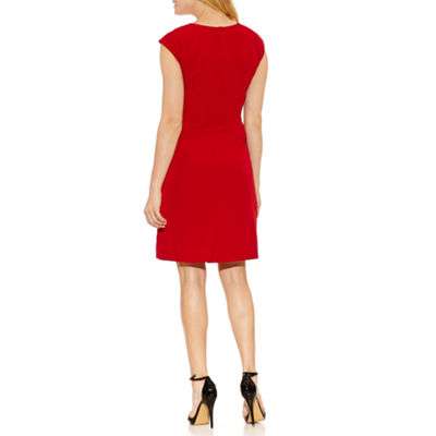 Chelsea Rose Short Sleeve Sheath Dress