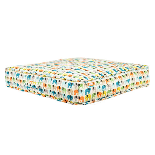 24x24 Animal Planet Square Gusset Pet Bed